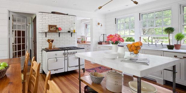 Landhausstil küche by anthony crisafulli photography