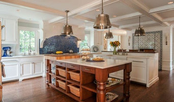 Expansive Contemporary Country Kitchen