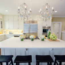 Traditional Kitchen by Pecoy Signature Homes