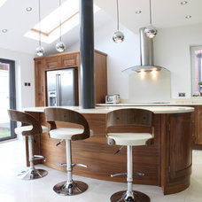 Contemporary Kitchen by Holme Tree Bespoke Furniture