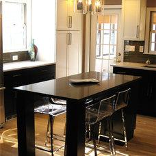 Contemporary Kitchen by Dreamwork Kitchens