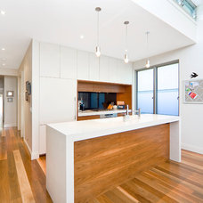 Contemporary Kitchen by Tanna Green Architects