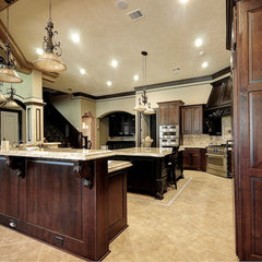 mediterranean kitchen by Fairmont Homes