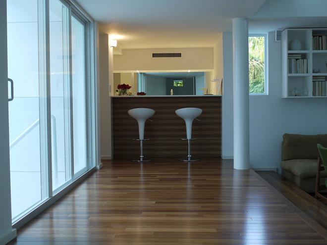 Modern Kitchen by Dorlom Construction