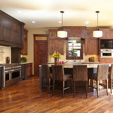 Traditional Kitchen by Dreamstructure DesignBuild