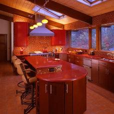 Modern Kitchen by Robin Amorello, CKD CAPS - Atmoscaper Design