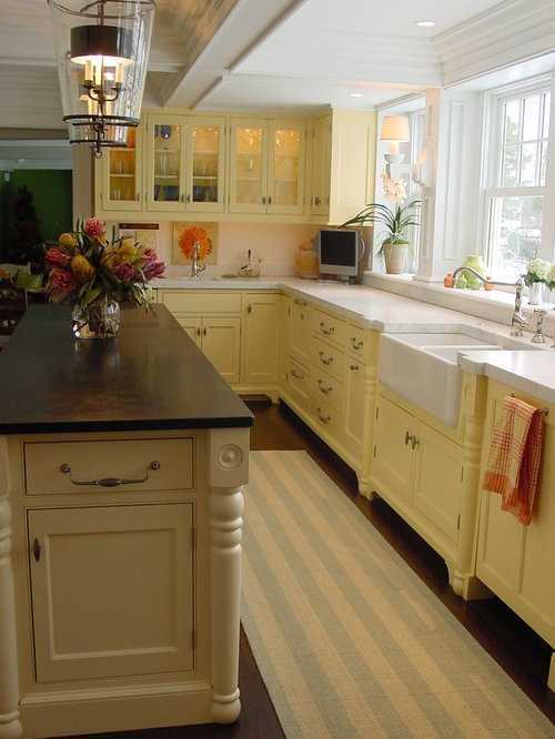 Narrow kitchen layout houzz for Narrow kitchen design