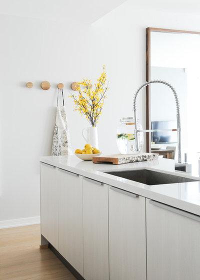 Scandinavian Kitchen by SHIFT Interiors