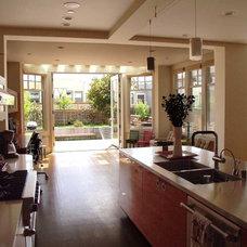 Contemporary Kitchen by Glenn Robert Lym Architect