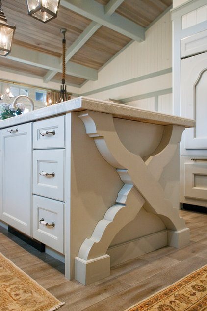 Traditional Kitchen by Harman Wilde