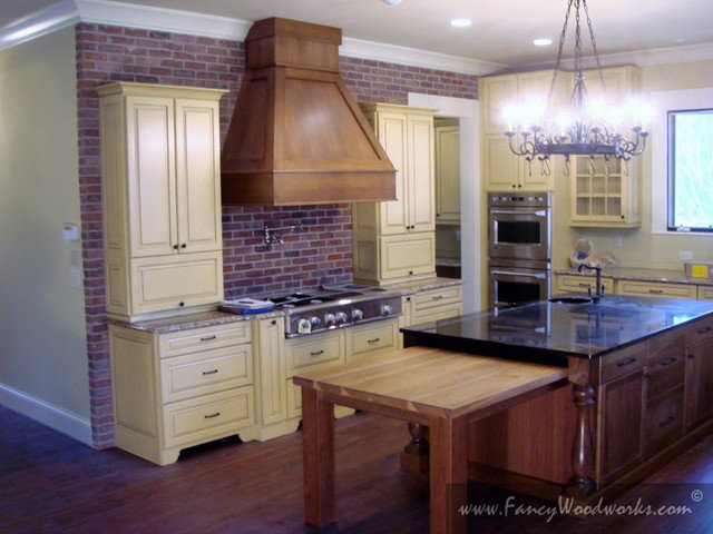 Traditional Kitchen by Fancy Woodworks