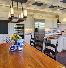 eclectic kitchen by Farinelli Construction Inc