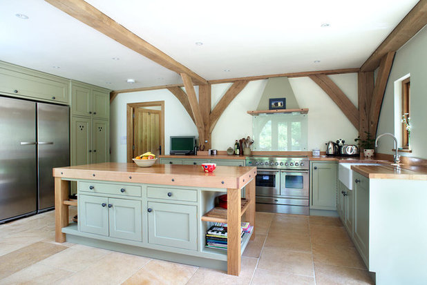 Farmhouse Kitchen by Natural Stone Consulting