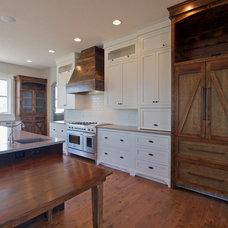 Farmhouse Kitchen by Elite Development Northwest, LLC