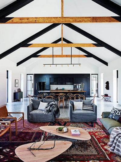 Farmhouse Kitchen by Green Apple Interiors & Design