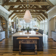 Farmhouse Kitchen by Pyramid Builders