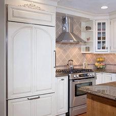 Farmhouse Kitchen by Divine Design+Build
