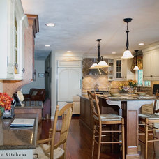 farmhouse kitchen by Divine Kitchens LLC