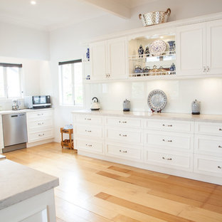 This is an example of a traditional kitchen in Gold Coast - Tweed.
