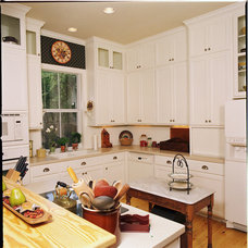 Farmhouse Kitchen by Authentic Custom Homes