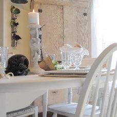 Farmhouse Kitchen by Buckets of Burlap