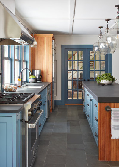 Country Kitchen by Covenant LLC