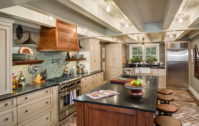 Kitchen of the Week: 'Raising' the Ceiling in a Creative Way