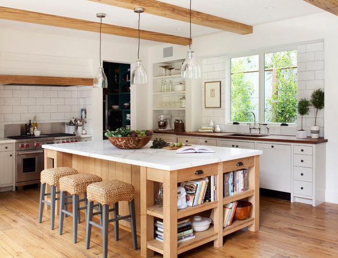 Farmhouse Kitchen by Ken Linsteadt Architects