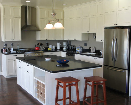 Elegant Country L Shaped Kitchen Photo In Sacramento With Stainless Steel  Appliances, An Undermount Sink
