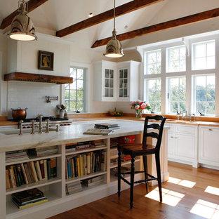 Farmhouse kitchen inspiration - Cottage kitchen photo in Other