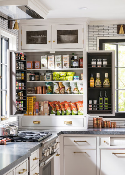 Farmhouse Kitchen by Studio Dearborn