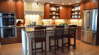 Farmhouse-style Kitchen with stone surfaces