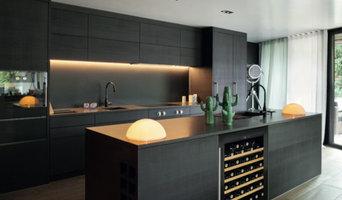 Farnham Kitchen Wine Storage
