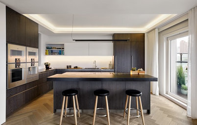 7 Ways to Team Dark Kitchen Cabinets With a Dark Worktop