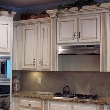 Modern Kitchen by Kbwalls