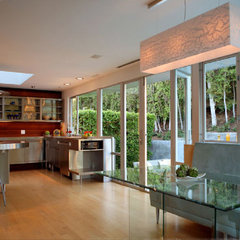 modern kitchen by Markus Canter (FCB:Design)