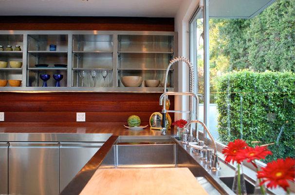 Modern Kitchen by Markus Canter (FCB:Design)