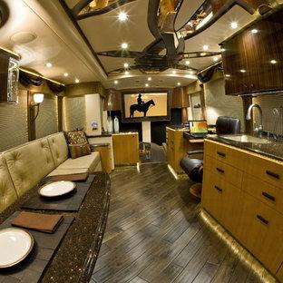 Featherlite Coach 1393