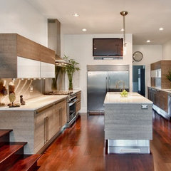 modern kitchen by Instinctive Design