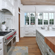 Traditional Kitchen by GEGG DESIGN & CABINETRY