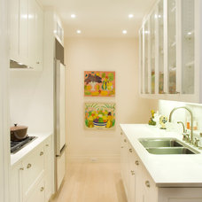 Transitional Kitchen by Weil Friedman Architects