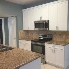 Houston, TX. White Traditional Custom Kitchen Cabinets ...