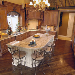 mediterranean kitchen by Finishing Touches Interiors By Design, Inc.