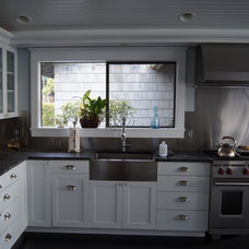 Traditional Kitchen by atelier drome, llp