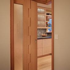 Modern Kitchen by FINNE Architects
