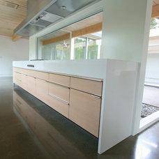 Modern Kitchen by MADE, Inc.