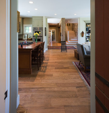 Traditional Kitchen by roth sheppard architects