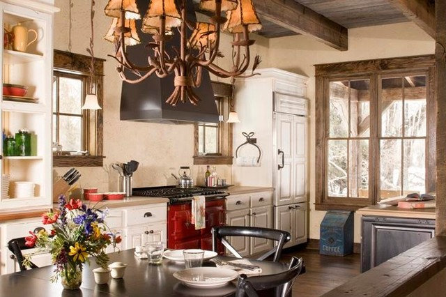 Houzz Tour: Fly-Fishing Heaven on a Colorado River