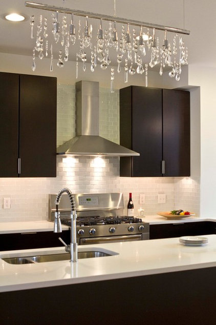 Contemporary Kitchen by SHOPHOUSE