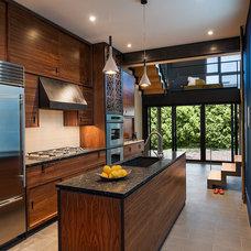 Contemporary Kitchen by Sandvold Blanda Architecture + Interiors LLC